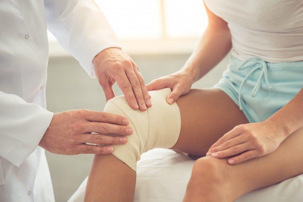 knee cast rehab